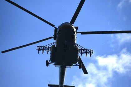 Вертолет Ми-8 опрокинулся на бок при взлете в Красноярском крае