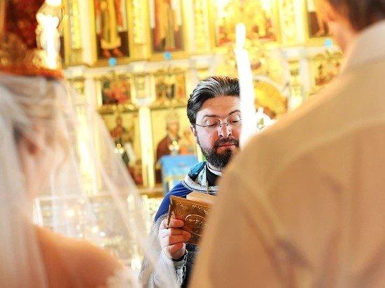 Вместо изменения брачного возраста Милонов предложил соединить венчание с ЗАГСом