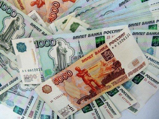 В Чечне осудили сына чиновника, бросавшего в Волгограде деньги в толпу