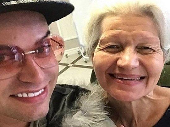 Гоген Солнцев опубликовал откровенное фото пожилой супруги: