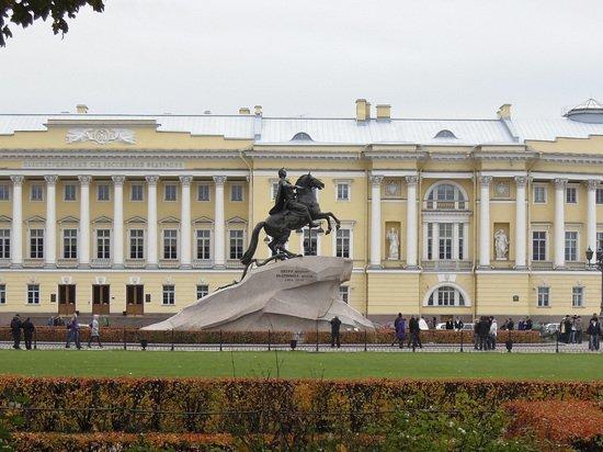 Жители Петербурга обсудили нравы москвичей