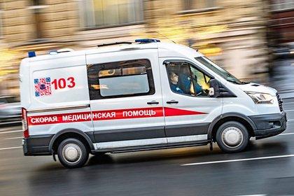 Таксист умер у столичного аэропорта после 28 часов за рулем и девяти энергетиков
