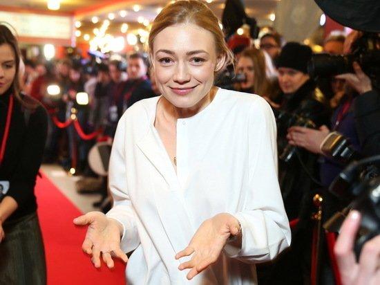 Оксана Акиньшина привела в восторг поклонников фото в мокром бикини