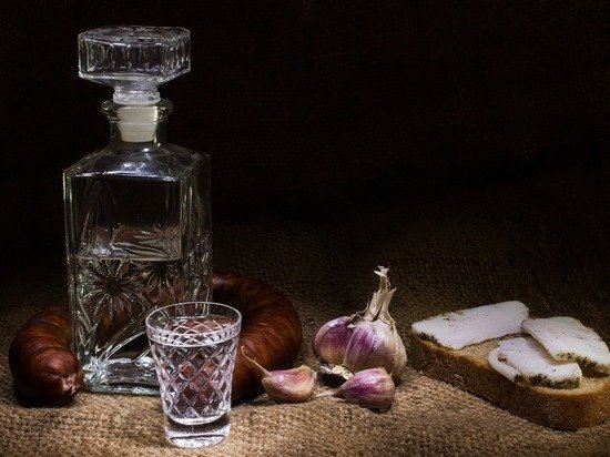 Стало известно, где в России больше всего выпивают водку