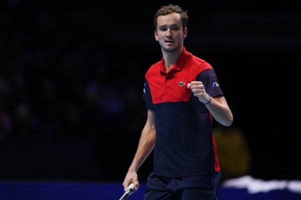 Теннисист Даниил Медведев сохранил пятую строчку в рейтинге АТР