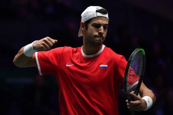 Россиянин Хачанов стартовал с победы на теннисном турнире в Роттердаме