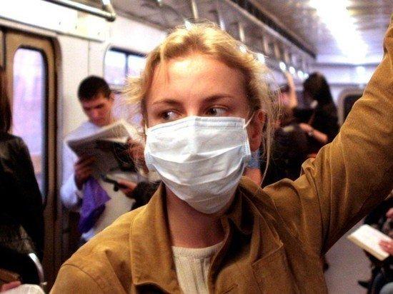В Минпромторге сообщили, сколько Россия производит медицинских масок в день