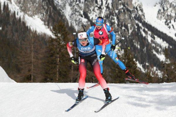 Норвежка Марте Ройселанн выиграла спринт на чемпионате по биатлону