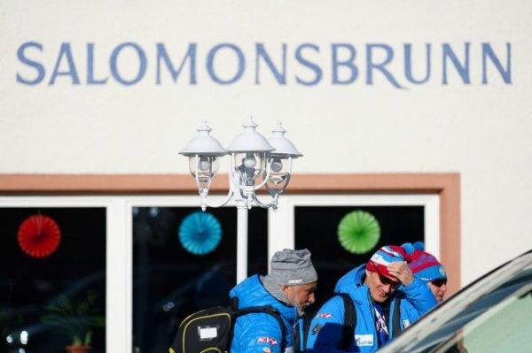 Посольство РФ: Итальянские власти не лишат свободы российских биатлонистов