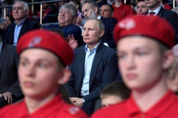 Путин приехал на первый чемпионат Лиги боевого самбо