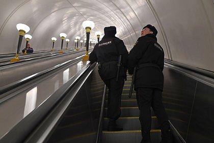 В московском метро объявились кашляющие «китайцы» и люди в костюмах биозащиты