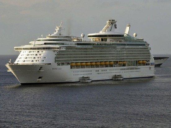 Власти Доминиканы запретили высадку пассажиров с круизного лайнера из-за коронавируса