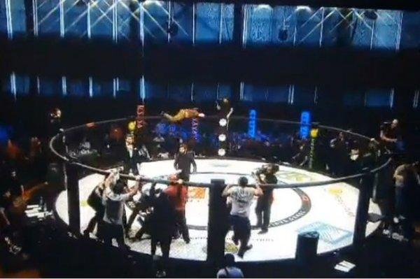 Избиение судей на турнире ММА в Черкесске попало на видео