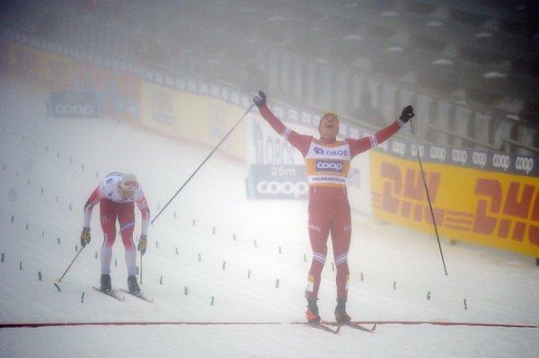 Лыжник Большунов выиграл гонку на 50 км на этапе Кубка мира в Осло