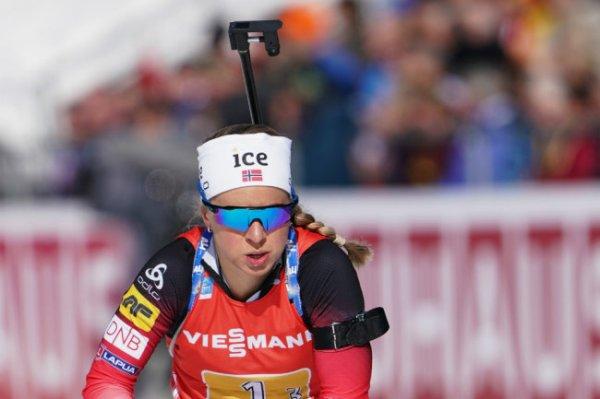 Норвежка Экхофф выиграла масс-старт на этапе КМ в Чехии