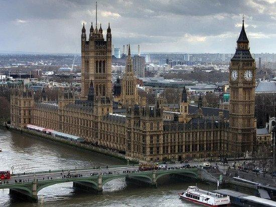 Замминистра здравоохранения Великобритании заразилась коронавирусом