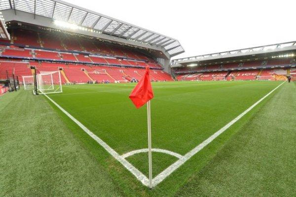 Английская премьер-лига приостановила сезон до 3 апреля