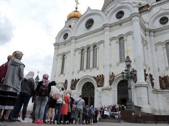 РПЦ отказалась отменять богослужения из-за коронавируса