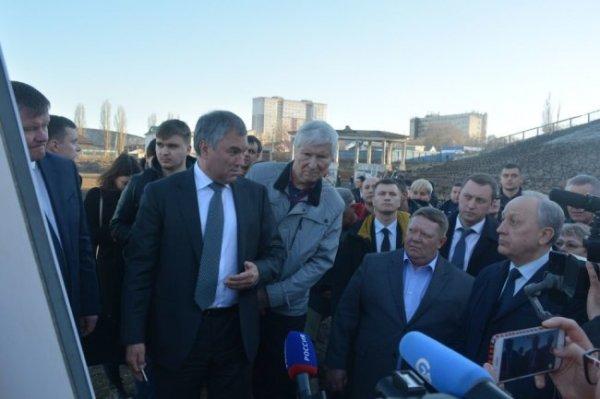 Спикер Госдумы привлек средства для реконструкции стадиона в Саратове