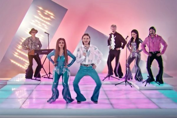 Российские синхронистки сняли эффектное видео в поддержку группы Little Big