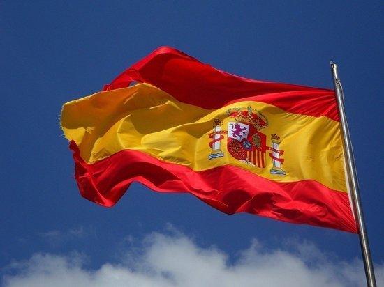 В Испании за сутки коронавирус подтвердили почти у 5 тысяч человек
