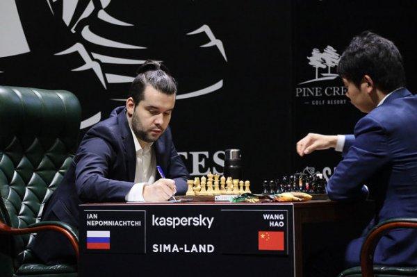 Непомнящий стал единоличным лидером турнира претендентов на Урале