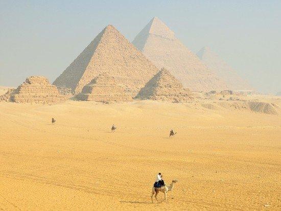 В Египте дезинфицируют пирамиды Гизы из-за коронавируса