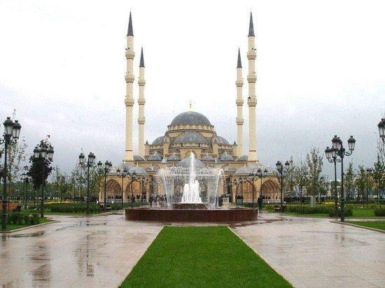 В Чечне отменили пятничную молитву из-за распространения коронавируса