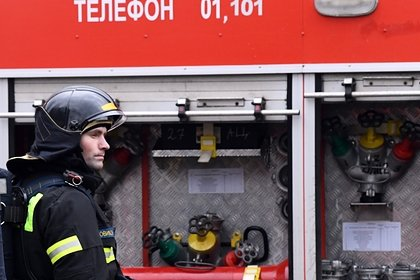 Российский ребенок провел два дня с мертвой матерью