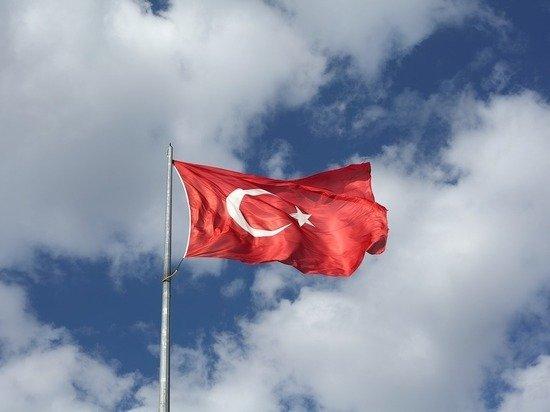 За сутки в Турции от коронавируса скончались почти 100 человек