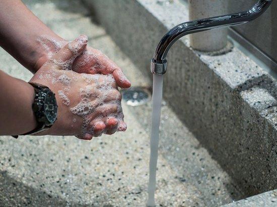 Дерматолог объяснила опасность частого мытья рук