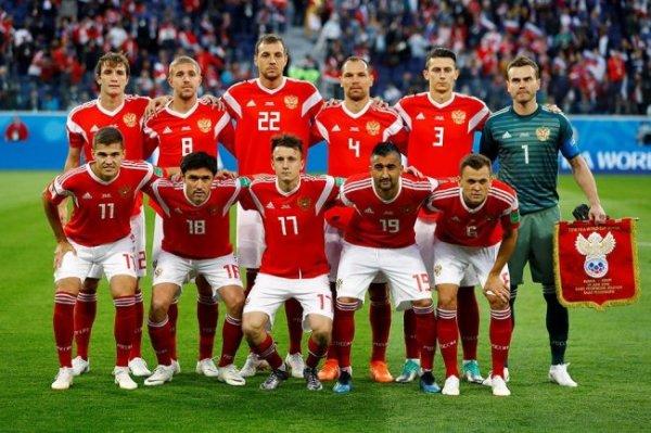 Футболисты сборной России поблагодарили медработников