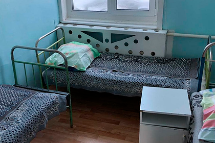 Россиянка без опыта вождения села за руль и врезалась в здание полиции