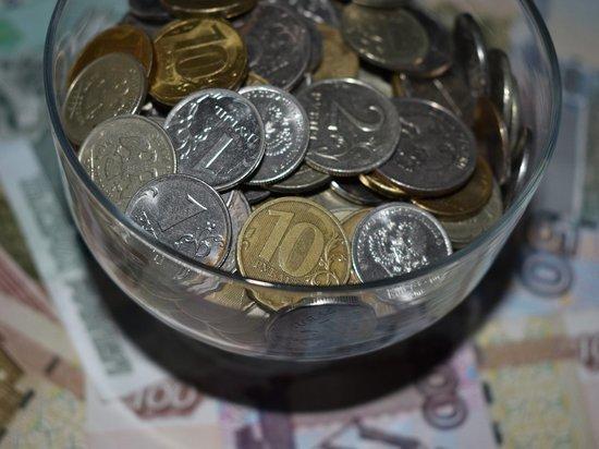 Экономист призвал раздать малоимущим «живые деньги», пока они еще есть