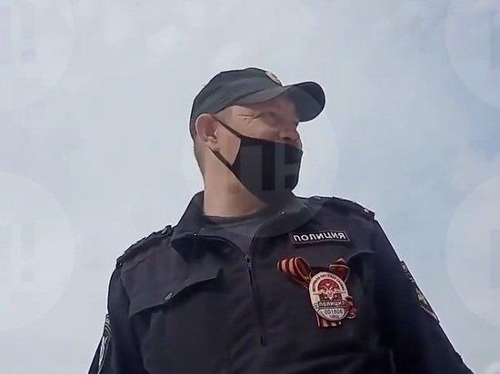 Полицейский заявил задержанному о готовности расстреливать нарушителей самоизоляции