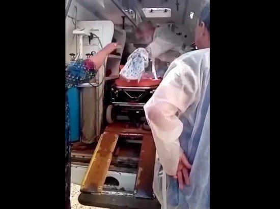 «Врачи забили совсем»: россиянка родила ребенка прямо в штаны