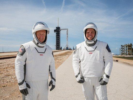 Стилист оценила космическую одежду американских астронавтов: ломает все стереотипы