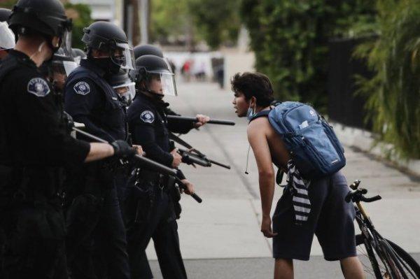 Овечкин обратился к жителям США из-за беспорядков