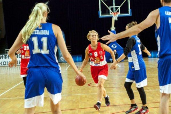 Как именитая спортсменка Елена Швайбович развивает баскетбол в России