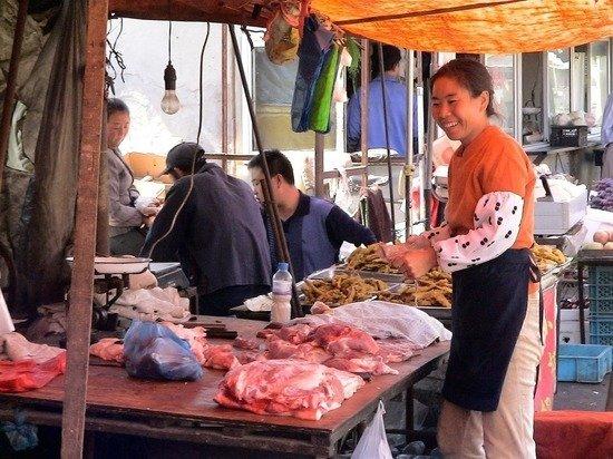 На крупнейшем рынке Пекина обнаружили коронавирус