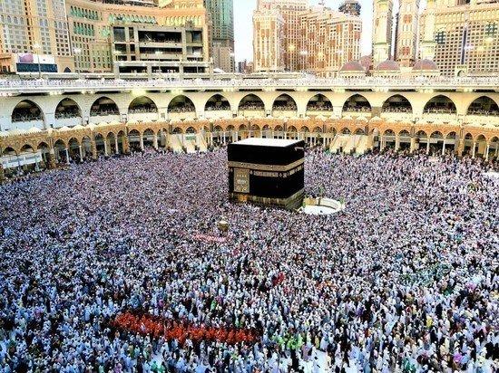 Саудовская Аравия отменила хадж для иностранных паломников