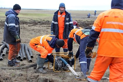 Определены сроки очистки водоемов от топлива в Норильске