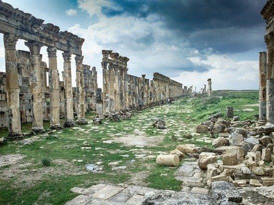 СМИ: Французские археологи грабят ассирийский город в Сирии для США