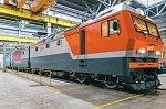 Успешно завершились испытания электровоза «Уральских локомотивов» с бустерной секцией