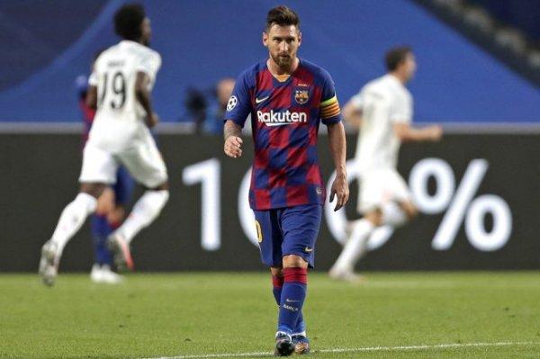 """Как болельщики """"Барселоны"""" отреагировали на то, что Месси остается в клубе"""
