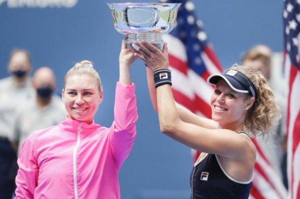 Звонарева вместе с Зигемунд выиграла US Open в парном разряде