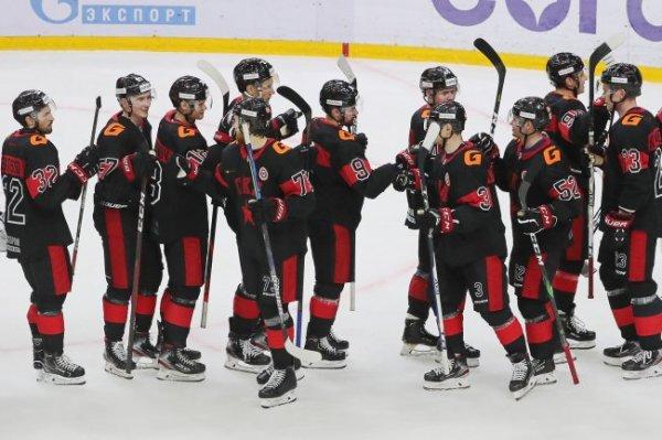 Обзор дня в КХЛ: Первые поражения лидеров и