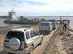В Якутии запустят единый накопитель на паромной переправе для порядка проезда машин