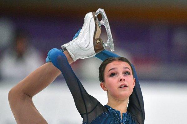 Щербакова лидирует в короткой программе на Кубке России
