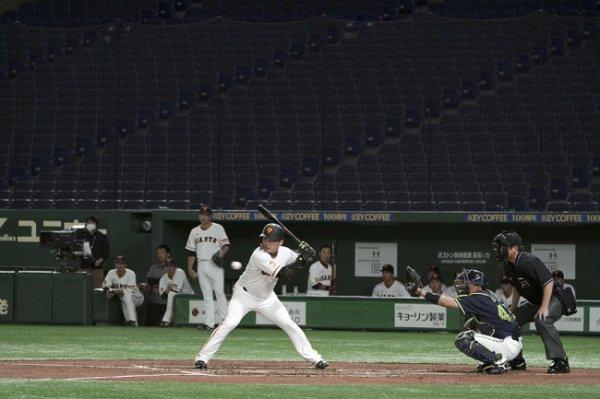 Токио частично снимает ограничения по зрителям